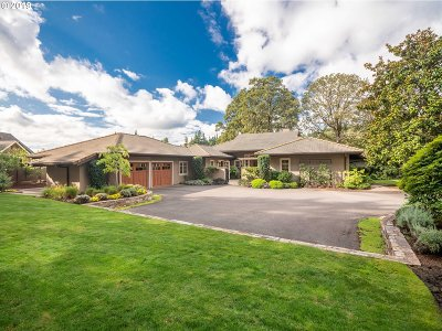 Clackamas County Single Family Home For Sale: 1300 SE Lava Dr