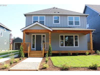 Portland Single Family Home For Sale: 8274 SW 47th Ave