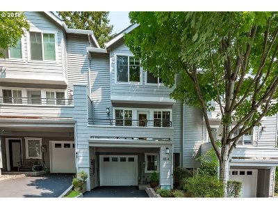 Lake Oswego Condo/Townhouse For Sale: 4514 Lower Dr