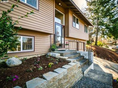 Gresham Single Family Home For Sale: 642 SW Sleret Ave
