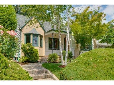 Single Family Home For Sale: 3015 NE Schuyler St