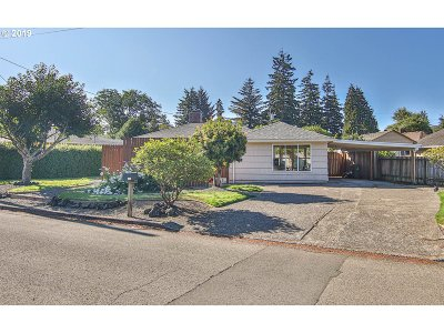 Coos Bay Single Family Home For Sale: 2157 Myrtle