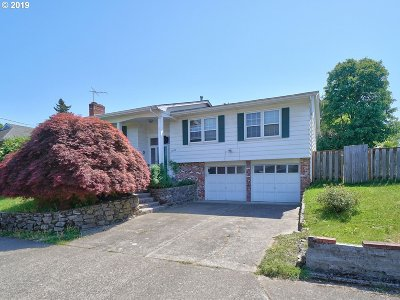 Portland Single Family Home For Sale: 14328 NE Rose Pkwy