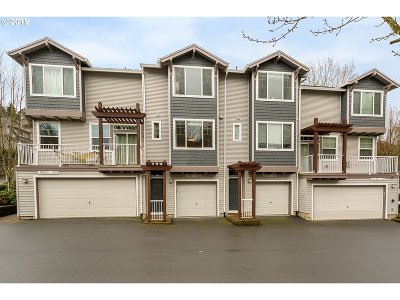 Tigard Condo/Townhouse For Sale: 10825 SW Canterbury Ln #102