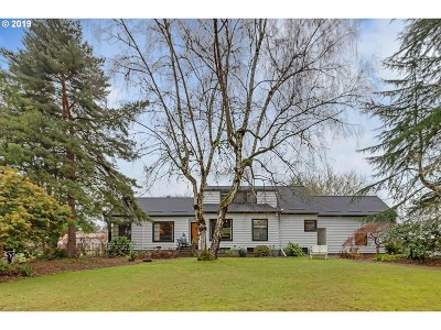 Milwaukie Single Family Home For Sale: 4101 SE Concord Rd
