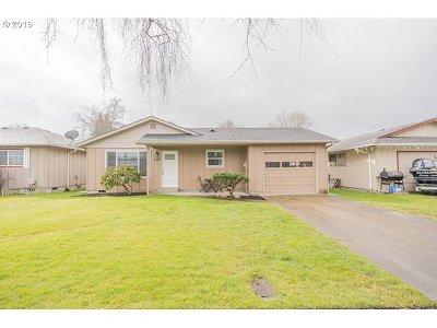 Cowlitz County Single Family Home For Sale: 3347 Nebraska St