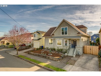 Multnomah County Single Family Home For Sale: 8812 N Fiske Ave