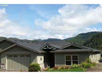 Gold Beach Single Family Home For Sale: 94534 Hume Rd