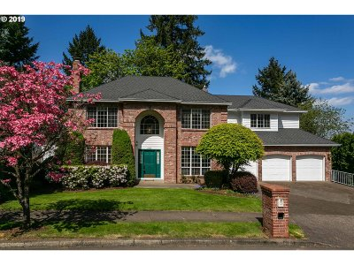 West Linn Single Family Home For Sale: 2860 Carriage Way