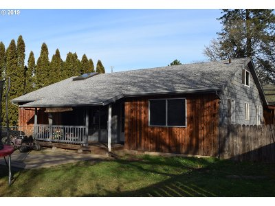 Washington County Single Family Home For Sale: 3300 SW 174th Ave
