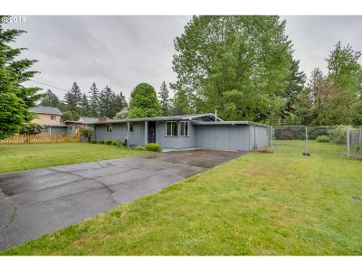 Portland Single Family Home For Sale: 2851 SE 151st Ave