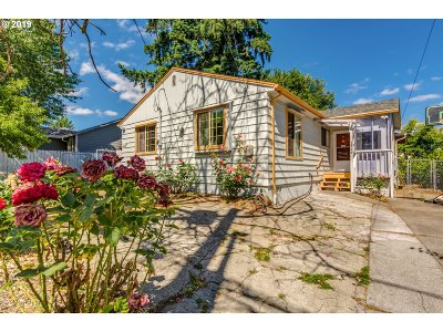 Portland Single Family Home For Sale: 2866 SE 85th Ave