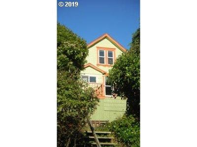Astoria Multi Family Home For Sale: 771 Erie Ave