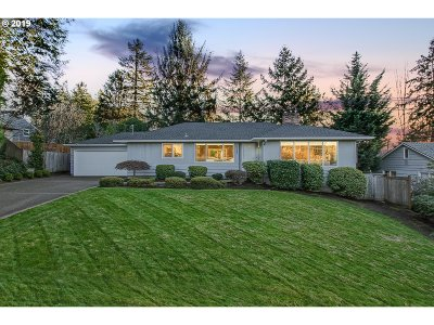 Portland Single Family Home For Sale: 6332 SW Boundary St