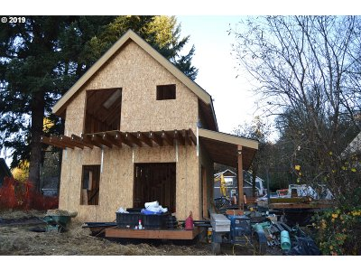 Oregon City, Beavercreek, Molalla, Mulino Condo/Townhouse For Sale: 462 Miller St