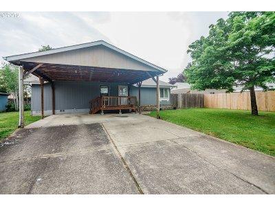 Molalla Single Family Home For Sale: 603 Corral Ct