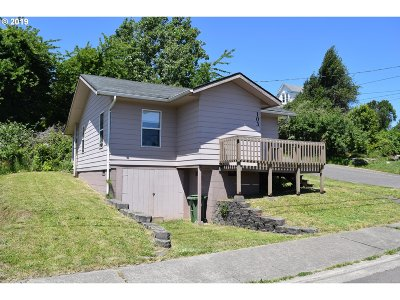 Coos Bay Single Family Home For Sale: 103 D St