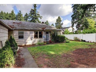 Multnomah County Multi Family Home For Sale: 554 NE 200th Pl