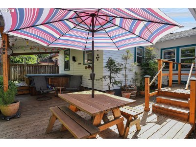Multnomah County Single Family Home For Sale: 4226 SE 11th Ave