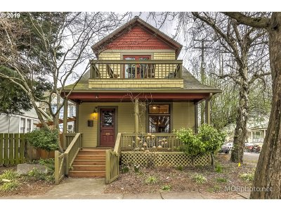 Multnomah County Single Family Home For Sale: 89 NE Graham St