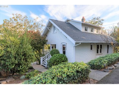 Troutdale Single Family Home For Sale: 324 SE Kibling St