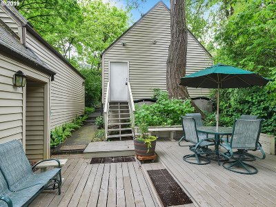 Portland Single Family Home For Sale: 7133 SW 7th Ave