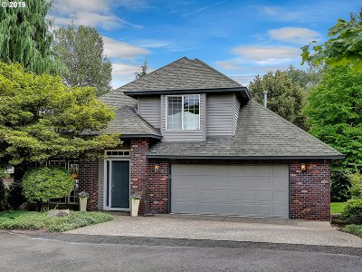 West Linn Single Family Home For Sale: 1675 Carriage Way