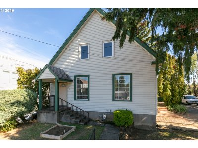 Single Family Home For Sale: 5926 N Greeley Ave