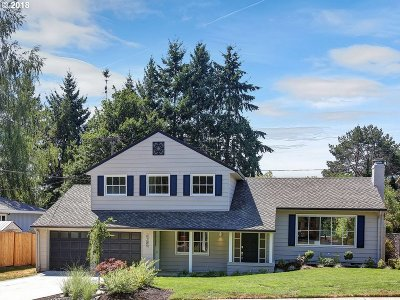 Beaverton Single Family Home For Sale: 6285 SW Elm Ave