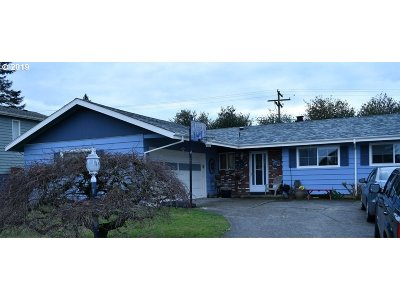 Portland Single Family Home For Sale: 3525 NE 135th Ave