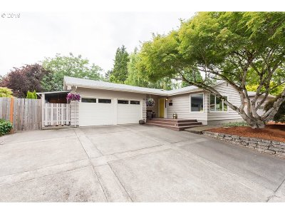 Beaverton Single Family Home For Sale: 655 SW 130th Ave