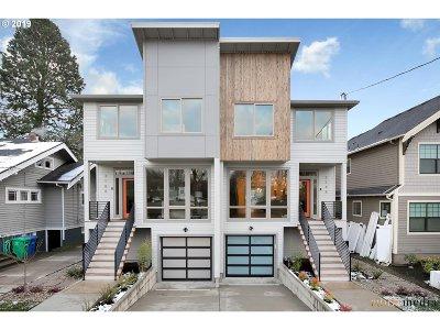Condo/Townhouse For Sale: 3188 NE Oregon St