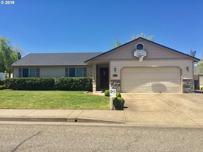 Cottage Grove, Creswell Single Family Home For Sale: 525 N 1st St