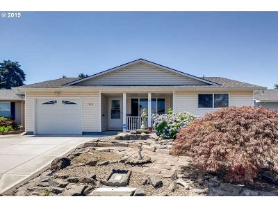 Woodburn Single Family Home For Sale: 325 S Cascade Dr