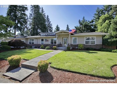 Keizer Single Family Home Sold: 814 Fir Cone Dr