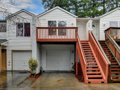 Multnomah County Single Family Home For Sale: 14129 SE Woodward St