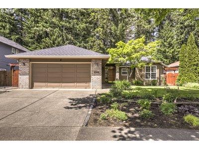 Hillsboro Single Family Home For Sale: 6289 SE Heike St