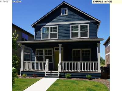 Albany Single Family Home For Sale: 2217 NE Hill St