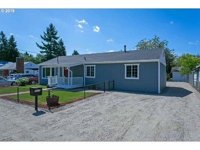 Portland Single Family Home For Sale: 5025 SE 120th Ave
