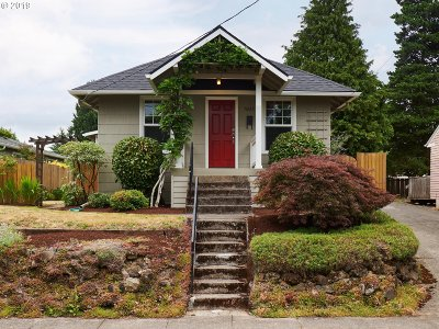 Portland Single Family Home For Sale: 5228 SE 44th Ave