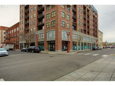 Condo/Townhouse For Sale: 411 NW Flanders St #412