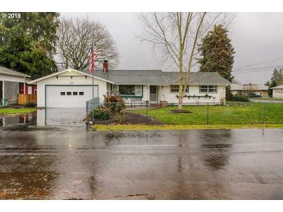 Salem Single Family Home For Sale: 2324 NW Holly St
