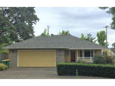 Forest Grove Single Family Home For Sale: 250 Forest Pl