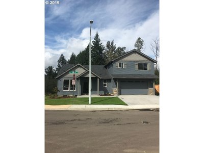 Estacada Single Family Home For Sale: 1305 NE Cobbler Ln