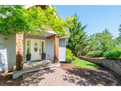 Eugene Single Family Home For Sale: 2654 Brackenfern Rd