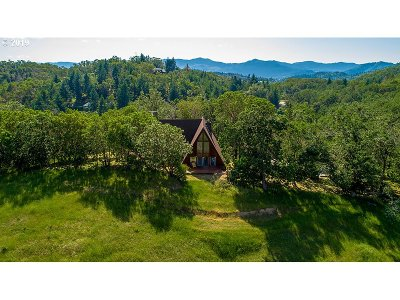 Roseburg Single Family Home For Sale: 1270 Arcadia Dr