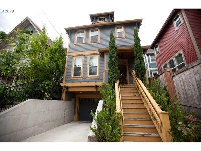 Portland Single Family Home For Sale: 2812 SE Belmont St