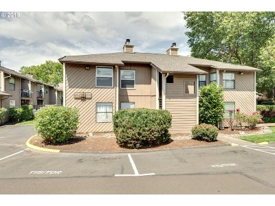 Tualatin Condo/Townhouse For Sale: 8300 SW Mohawk St