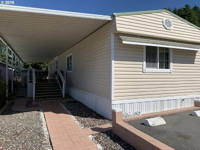 Brookings Single Family Home For Sale: 15675 Hwy 101, Space 9 #9
