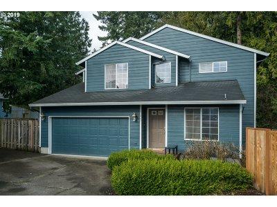 Hillsboro Single Family Home For Sale: 867 SE 39th Ct